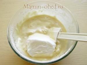 добавляем белки в тесто