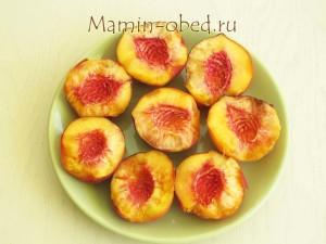 половинки персиков