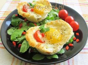 хлебная корзиночка с яйцом