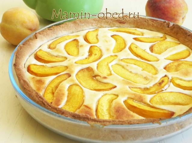 Лимонный пирог с творогом и персиками